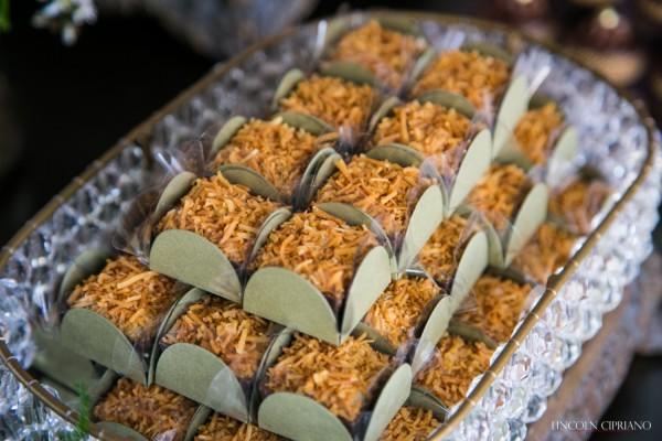 veja as imagens do doce Caixinha Gourmet Coco Queimado  - dfdf